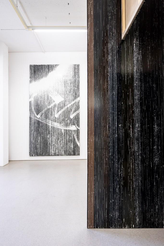 Installation view: Gregor Hildebrandt LUFT IN A LLEN ZIMMERN, G2 Kunsthalle Leipzig, 16 October 2020 – 17 January 2021, photo: Dotgain.info © G2 Kunsthalle Leipzig & the artist